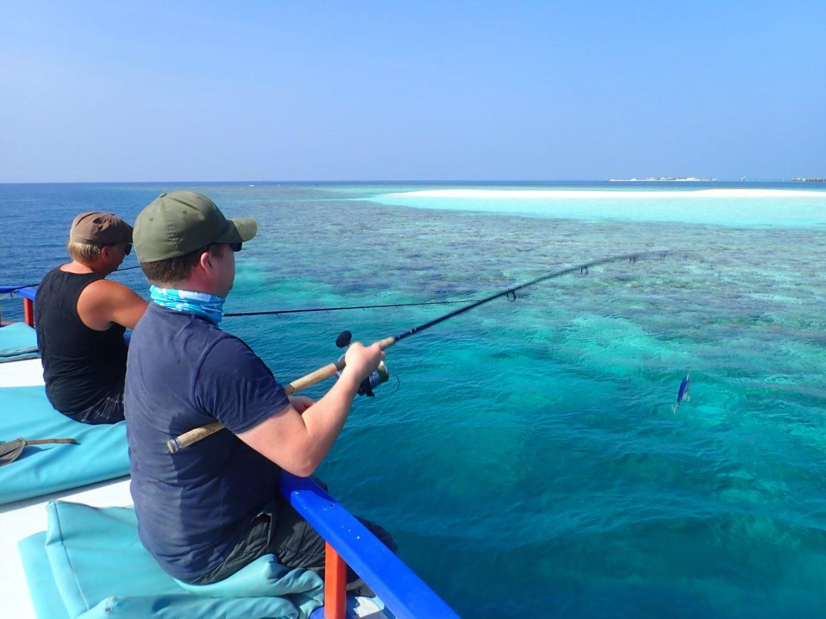 malediivit maldives maldiverna gt gianttrevally bluefintrevally spinnfiske heittokalastus spinfishing kalastus kalastusmatka fishmaster